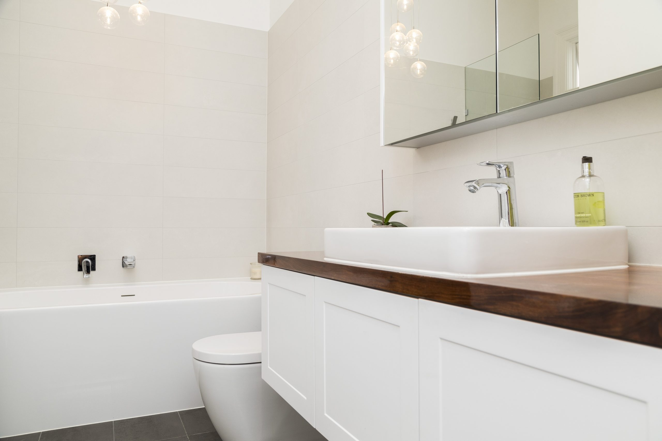What Are Best Budget Home Renovation Tips